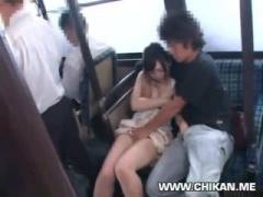 童顔巨乳美女をバスで襲って中出し