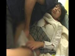 制服JKの範田紗々がお兄ちゃんに犯されてしまう