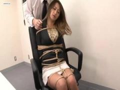 部下に逆セクハラをして楽しんでた爆乳女上司が監禁調教され刺青を入れら...