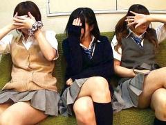 顔は恥ずいしww 援交相手の女子校生にお願いしたら超可愛い友達連れて来て...
