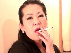 五十路熟女 エロケバ和服人妻の濃い口紅と卑猥な唇に誘惑されて... フェチ