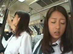 電車チカン盗撮 美少女JKが満員電車で変態男に無理矢理チンコを擦りつけら...