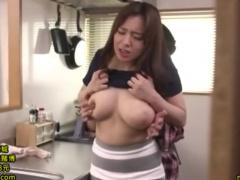 近所のオタクに襲われるムッチリ巨乳奥さん、三島奈津子 ぽっちゃりムチムチ