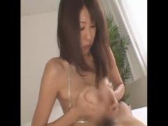 Lカップ爆乳熟女の櫻井ゆうこさん! 柔らかおっぱいでパイズリしたあとはド...