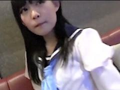 個人撮影 セーラー服美少女がカラオケボックスで淫行三昧wバキュームなフ...