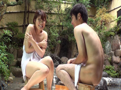 両親には内緒で混浴温泉で二人っきり 温泉でおっぱいとおちんちんの洗いっ...