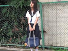 女子校生 激カワ美少女でちっぱいの制服黒髪JK 貧乳おっぱいの女子校生と...