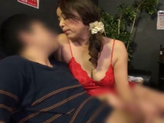 熟女風俗 過激な裏サービスで客を集めるピンサロ店が存在…青井マリ