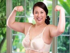 五十路 プロレス入団テストを受けた経験アリの身長175cm豊満熟女が中出し...