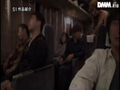 ビッチ 夜行バス 巨乳 フェラ ギャル 派遣 手コキ セックス 立ちバック 乳...