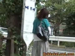 路線バスで集団痴漢に遭ってしまう緑の服の女の子
