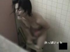 JK競水オナニー 腹筋が割れてるアスリート水泳部女子校生がトイレで本気オ...