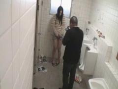管野しずかがトイレでオナニーしてるところを撮影される