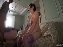 SEXしたいです! むっちり巨乳のボテ腹妊婦の性欲がすごい! 中出しをせがむ...