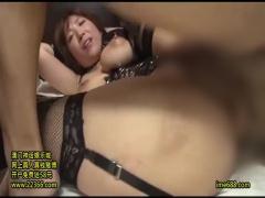 おっぱい丸見えボンテージ姿の巨乳美女がパイズリ&濃厚セックス!