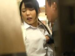 レイプ 図書館で学習しているJKを痴漢…反抗しないと見るやトイレで本格的...