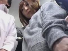 セクシー系の女子大生をバス内で痴漢しちゃう動画