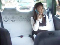 中出し×OL 突然タクシーに乗り込んできたレイプ魔にスタンガンで脅され強...