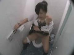 JKトイレオナニー トイレのスペースを思う存分に活かしていろんな体位でオ...
