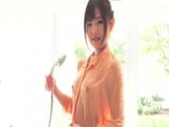 着エロ アイドル級の可愛さを持つ美少女がおっぱいみせの着エロを披露! !