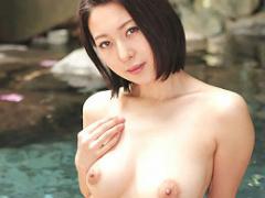 元キャビンアテンダントの巨乳美女と出かける不倫温泉旅行