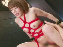 ショートカット激カワ美女を縛って犯す、ハードな首絞めセックス
