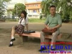 JK 男性教師とおまんこしたくて仕方がない女子校生が公園で先生と待ち合わ...