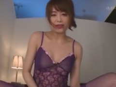 M男を素股騎乗位で強制射精させる網タイツ痴女動画
