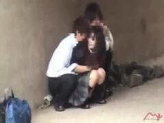 盗撮 素人JK個人撮影隠し撮りで野外露出の青姦セックスしちゃってる痴女ビ...