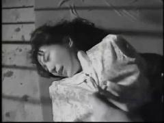 昭和エロ 巨乳女が強姦にナイフで脅され着衣のまま中出しされる妄想オナニ...