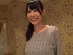 10年間ご無沙汰な秋田から上京して来た現役保育士の素人奥さん 38歳 が初...