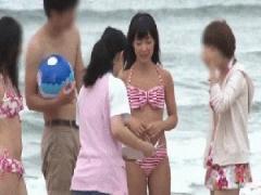 サークルでビーチに来てたビキニ水着の美少女を無料エステのきわどいマッ...