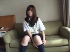 激カワ制服美少女をホテルでハメ撮り
