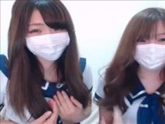 ライブチャット 激カワのイマドキJKのような制服コスの美少女2人がテンシ...