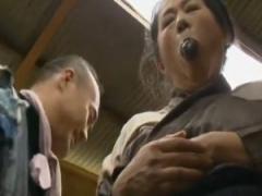 ヘンリー塚本 野菜オナニーしていた豊満熟女が近所のオヤジと不倫FACK! !