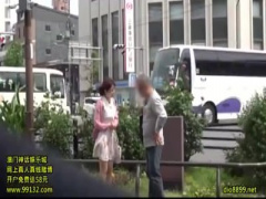 ガチンコ逆ナンパ! デビュー3周年企画に素人男性とファック交渉ww