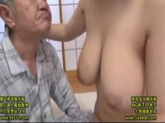 全裸の介護士 塚田詩織が介護先で巨乳揉みながらオナニーをおっ始める動画ww