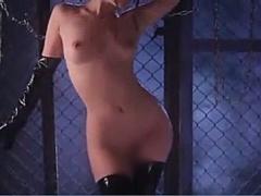 全裸にラテックスのニーソと手袋をしたつぼみんがM男を責める