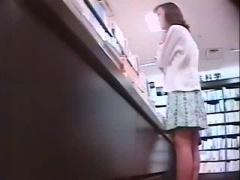 個人撮影 素人のパンチラをガチ盗撮したお宝映像www