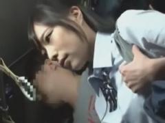 バスで痴漢師におっぱいを好き放題されちゃう巨乳なJK動画