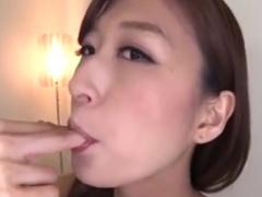 M男をベロチュー手コキ抜き&潮吹きさせる痴女動画