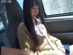 個人撮影 学校サボったJKと円光! 真っ昼間から車内でフェラ抜きさせる激ヤ...