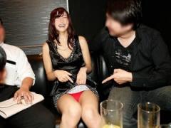 寝取りナンパ カップルで参加してたパーティ  彼氏が可愛い彼女放ったらか...