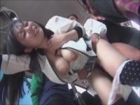 痴漢した爆乳女性のおっぱいを丸出しにして車内でハメる男