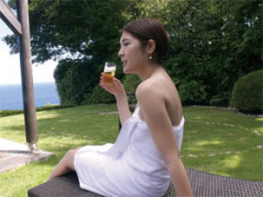 31歳 開放的な露天風呂で寝取られHを楽しむ素人妻