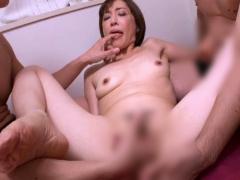 熟女アナル 四十路 44歳 の美人妻が初めてのアナルセックスで自ら腰を振っ...
