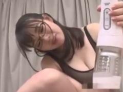M男を電動オナホや手コキフェラチオ攻めするメガネ痴女動画