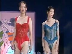 ほぼ露出狂 台湾のランジェリーショーが普通に乳首丸出しwwwwwww