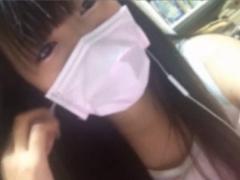 素人18歳がマスクも外し意外と大きい巨乳を自撮りで丸見せwww ライブチャ...