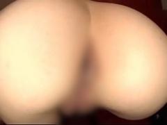 巨乳ギャル女子校生が尻を押し付けて愛撫して欲しがるアナル丸見え動画